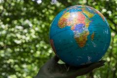 Die Achtsame - Weltkugel
